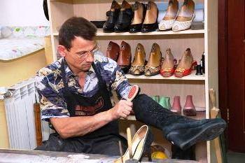 Как заработать на чистке обуви