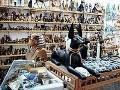 Торговля сувенирами